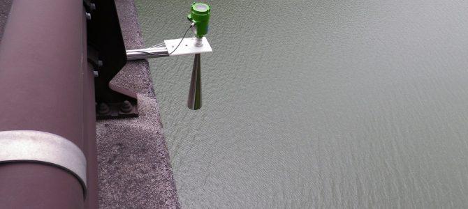 河川などの水位計に電波式